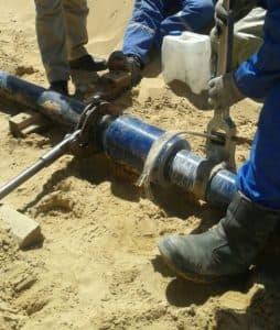 , Ремонт стеклопластикового трубопровода в Казахстане (видео)